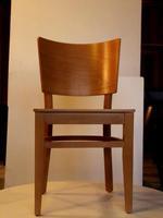 качествен дървен стол за кафене