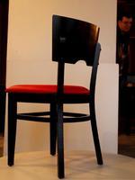 дървени маси и столове