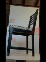 дъбови дървени столове с модерна визия