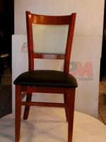 дървени столове с модерна визия  за ресторанти