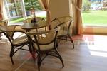 Столове от бамбук за малък хотел