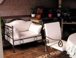столове по поръчка от ковано желязо