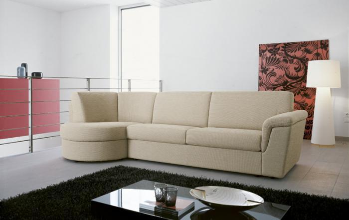 Модерен диван италиански