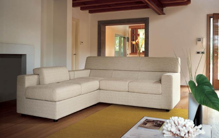 Бял модерен диван италиански
