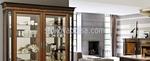 луксозна витрина от масив внос от Италия